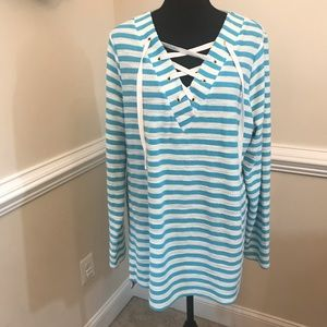 EUC Crown & Ivy Beach Sweatshirt Size XL
